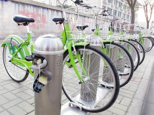 健园 5辆公共自行车锁车器被砸烂