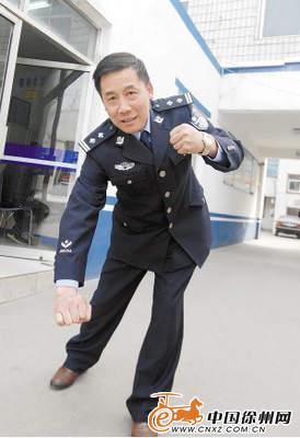 车上 公交 勇擒 刑警/谌警官描述抓小偷的经过