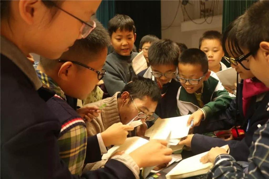 """徐州这位""""蓝嘴唇""""老师的历史课很有趣,只因患这种病,多次被下病危通知书"""